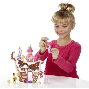 Hasbro My Little Pony Casa de Turta Dulce a lui Pinkie Pie