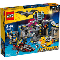 LEGO ® Batman - Patrunderea in Batcave